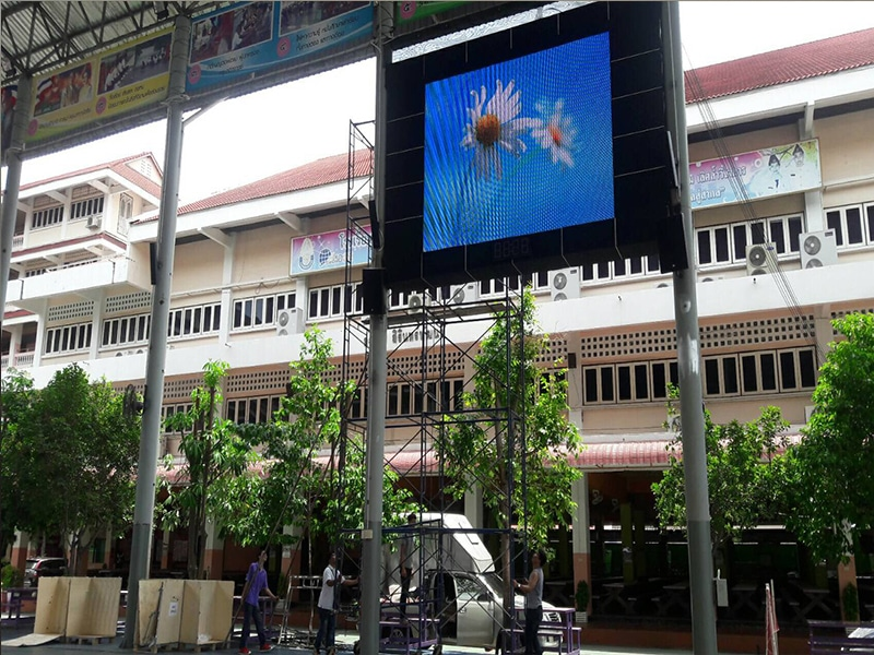 LED display full color P10 installation2