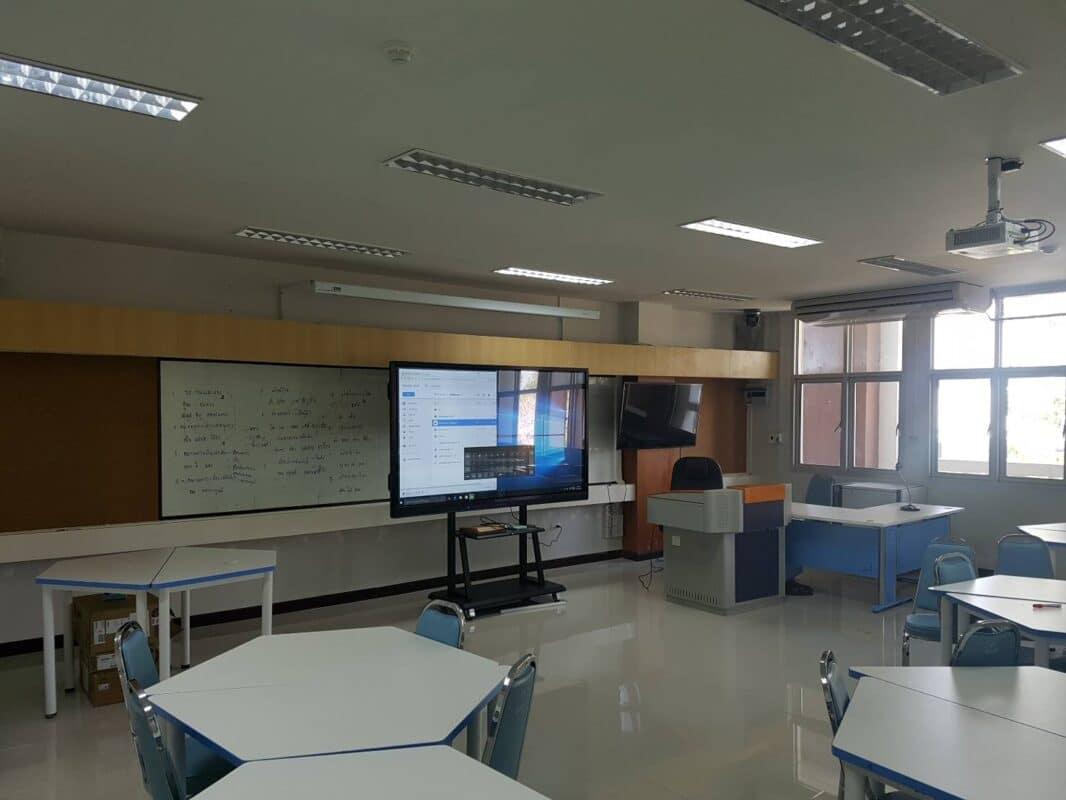จออัจฉริยะ ขนาดใหญ่ สำหรับห้องเรียน